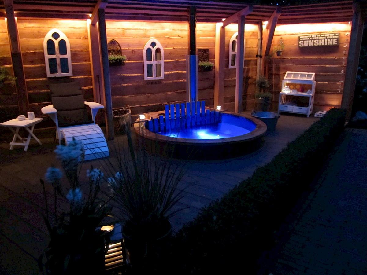Eingebaute LED Beleuchtung für ihren Badefass - ISBJØRN Hot Tubs