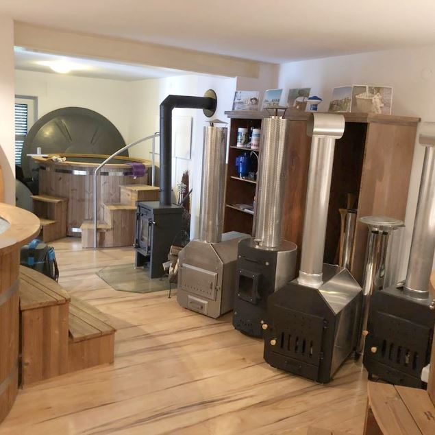 austellung badefass badetonne hot pott freiensteinau hessen deutschland isbj rn badefass. Black Bedroom Furniture Sets. Home Design Ideas
