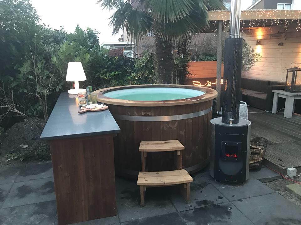 austellung badefass badetonne hot pott freiensteinau. Black Bedroom Furniture Sets. Home Design Ideas