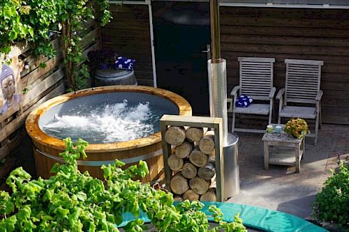 isbj rn badefass hot tub badetonne mit 35 kw externem ofen. Black Bedroom Furniture Sets. Home Design Ideas