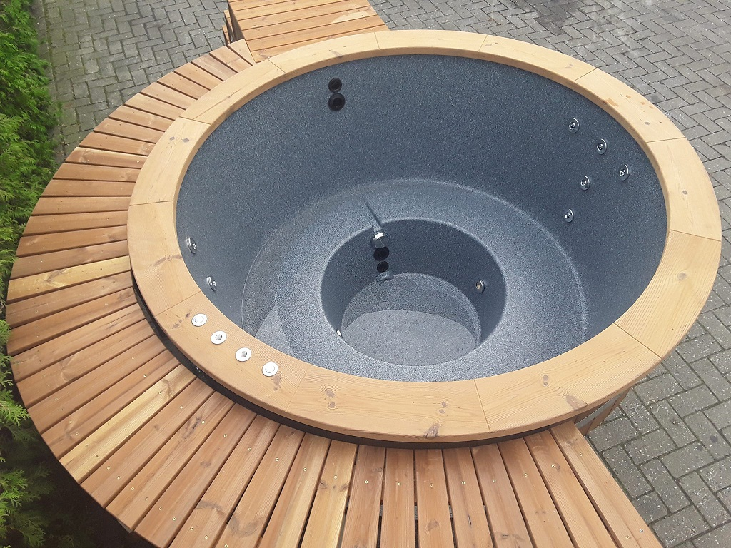 badefass badezuber mit holzumbau isbj rn hot tubs. Black Bedroom Furniture Sets. Home Design Ideas