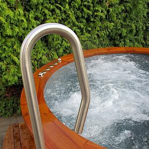 Neu holzbeheizter au enspa for Garten pool leeren