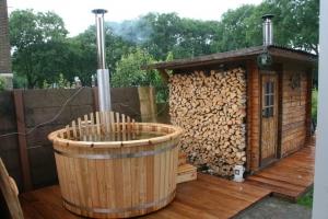 badetonne holz hot tub badezuber holz isbj rn hot tubs. Black Bedroom Furniture Sets. Home Design Ideas